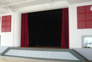Théâtre à la Salle des Fêtes